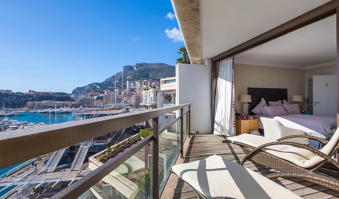 Снять квартиру в монако куплю дом в турции у моря